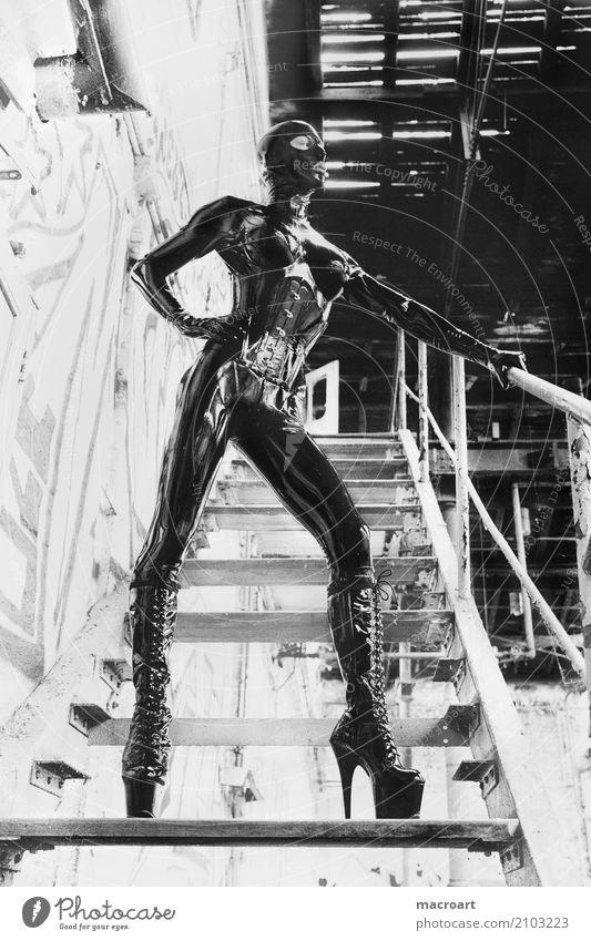 Latexsuit Fetischismus Cat Suit Atemschutzmaske Maske Handschuhe gloves glänzend Außerirdischer Mensch portrait schwarz latexanzug latexmaske latexsuit