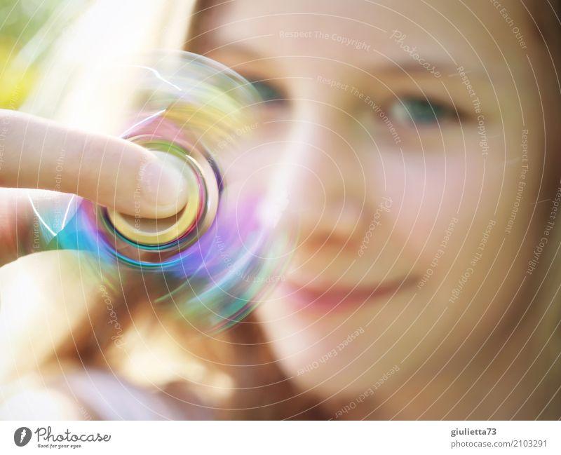 Tempo | Hypnose Fidget Spinner ;) Spielen Kinderspiel Fingerspiel Finger Spinner feminin Mädchen Junge Frau Jugendliche Kindheit Leben 1 Mensch 8-13 Jahre