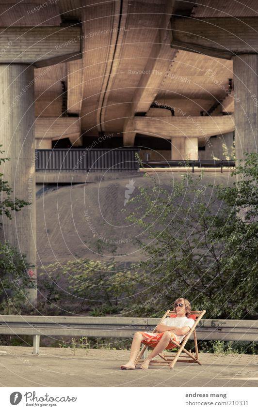 This is where I live | No. 005 Junger Mann Jugendliche Brücke Leitplanke Badehose Sonnenbrille Liegestuhl Beton Erholung genießen liegen sitzen außergewöhnlich
