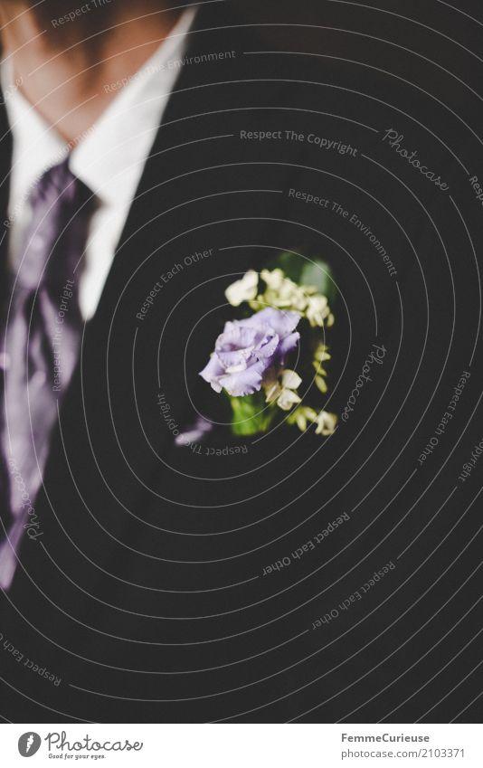 Love is in the air (51) maskulin Mann Erwachsene Mensch 18-30 Jahre Jugendliche 30-45 Jahre schwarz Anzug Bräutigam Anstecker Blüte violett Krawatte Hals