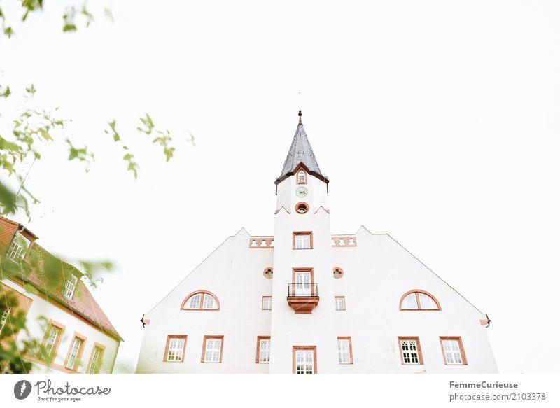 Love is in the air (13) Kleinstadt ruhig Idylle Architektur ländlich Landschaft Sträucher Standesamt Gebäude Fassade Tradition ehrwürdig historisch