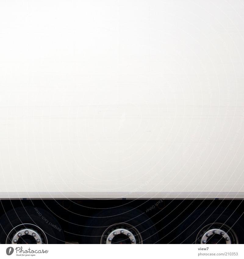 Kühl-Laster weiß hell Metall groß Verkehr modern ästhetisch neu Güterverkehr & Logistik authentisch rein lang Lastwagen Freundlichkeit Reifen Handel