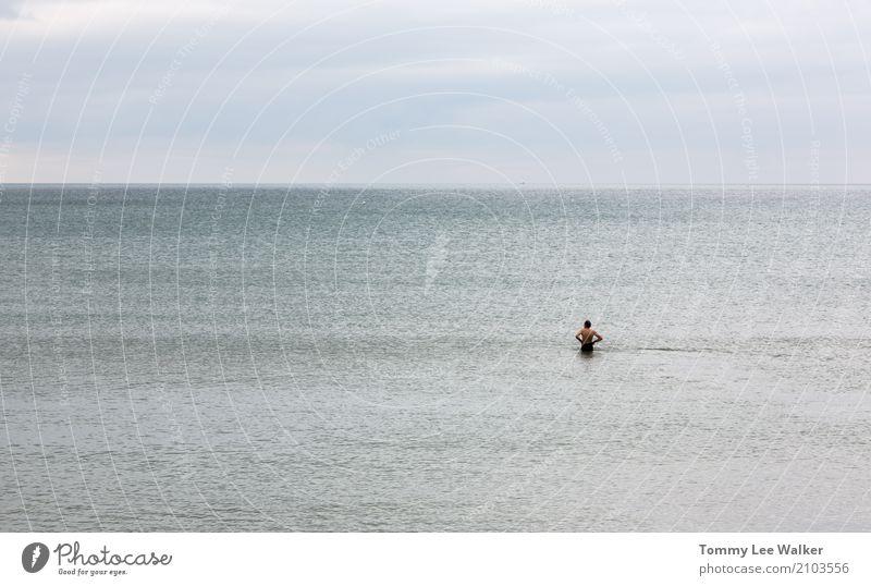 Einziger Lifestyle Abenteuer Meer Sport Erfolg blau Stimmung Mut Vertrauen Gelassenheit authentisch Interesse Einsamkeit Todesangst gefährlich Stolz anstrengen