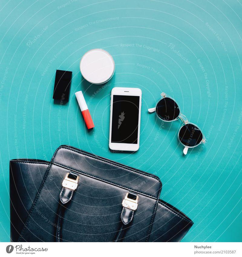 Flache Lage der Frauentasche öffnen mit Kosmetik Ferien & Urlaub & Reisen Farbe schön grün weiß Erotik schwarz Erwachsene Liebe feminin Stil Mode Design
