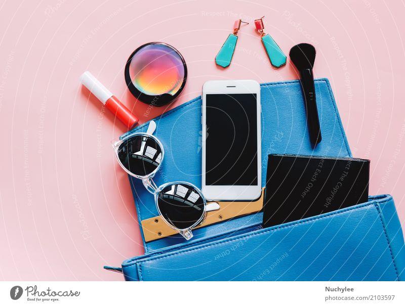 Flache Lage der Frauentasche und -zusätze elegant Stil Design schön Schminke Lippenstift Telefon PDA Technik & Technologie feminin Erwachsene Mode Leder