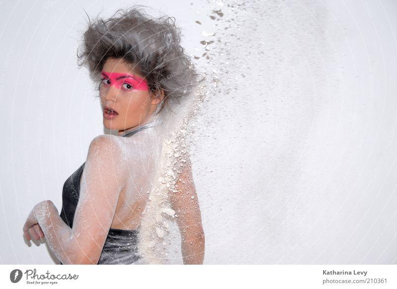 (aus dem) Hinterhalt Mensch Jugendliche weiß schwarz Erwachsene feminin Haare & Frisuren Stil Mode Rücken rosa dreckig wild außergewöhnlich verrückt 18-30 Jahre