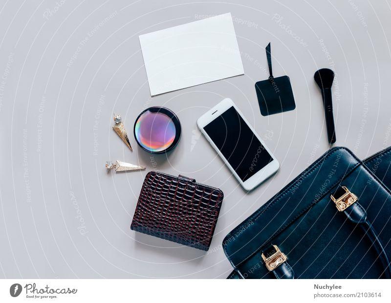 Flache Lage der Frauentasche und -zusätze Ferien & Urlaub & Reisen Farbe schön schwarz Erwachsene Lifestyle feminin Stil Mode grau Design hell modern elegant
