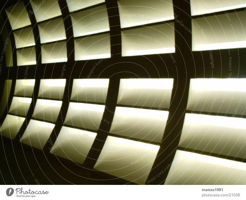 Lichtwall Ausstellung Paris Schwung extravagant Stil Design Wand Lampe kalt Physik Architektur Museum Loufre Linie Designer Wärme Kontrast modern