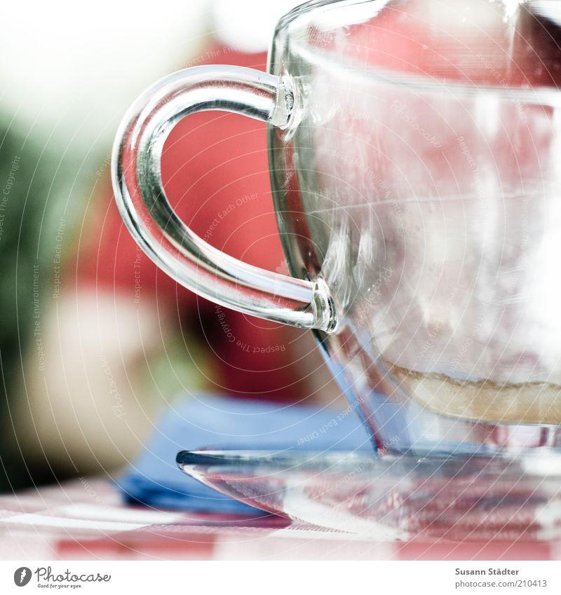 doppelwandig bleibt der Kaffee länger warm Geschirr Teller Tasse Glas Mann Erwachsene Kaffeetasse Untertasse Kaffeepause leer trocken Isoliert (Position) Wärme