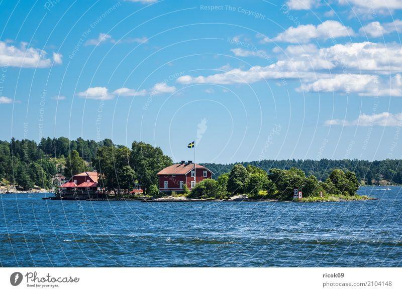 Schärengarten an der schwedischen Ostseeküste vor Stockholm Natur Ferien & Urlaub & Reisen blau grün Baum Landschaft Erholung Haus Wolken Wald Küste Gebäude