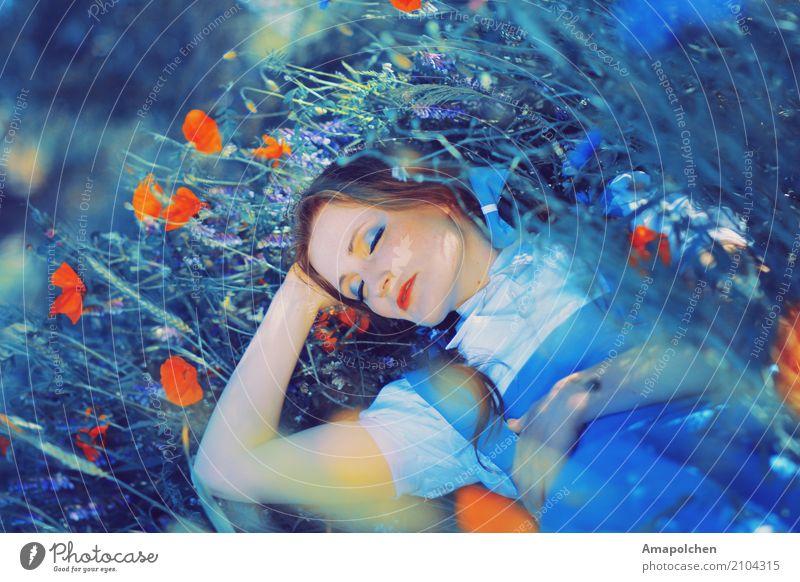 ::17-11:: Mensch feminin Junge Frau Jugendliche 13-18 Jahre 18-30 Jahre Erwachsene Erholung schlafen träumen Mädchen Schminke Mohnblüte Wiese Blumenwiese Glück