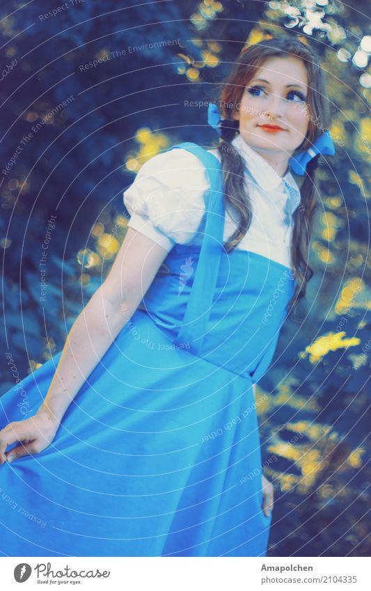 ::17-12:: Oktoberfest Erntedankfest Mensch feminin Junge Frau Jugendliche 13-18 Jahre 18-30 Jahre Erwachsene Freude Kleid Landleben blau niedlich Mädchen