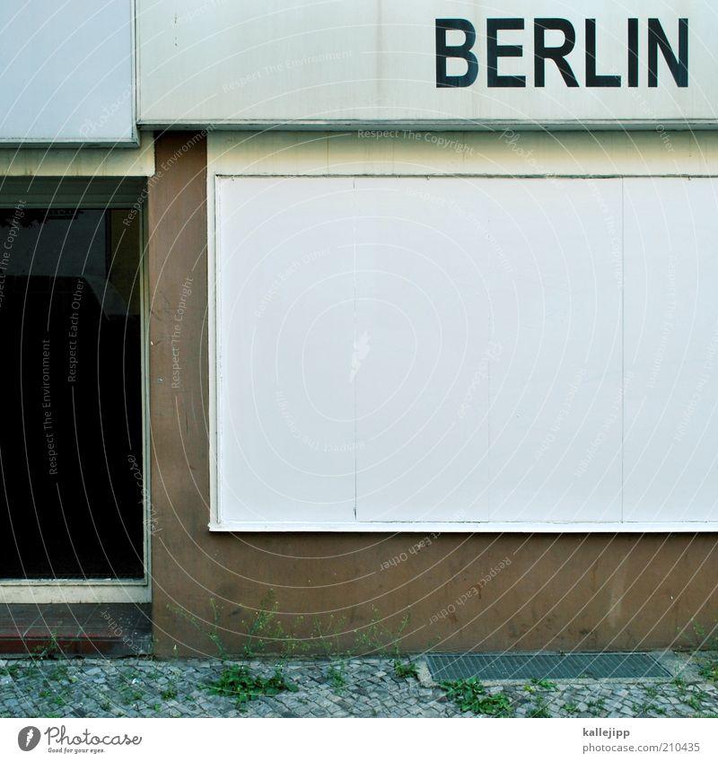 ich bin wieder hier Hauptstadt Schriftzeichen Schilder & Markierungen Berlin Ladengeschäft Farbfoto Gedeckte Farben Menschenleer Tag Licht Schatten Kontrast