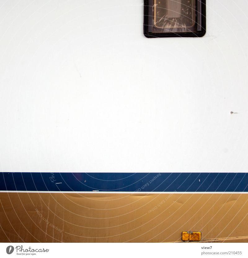 mobile home Verkehr Fahrzeug Wohnmobil Linie alt authentisch einfach gold Camping Streifen Farbfoto Außenaufnahme Nahaufnahme Detailaufnahme Menschenleer