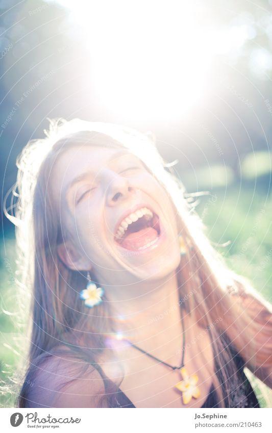 laugh it out loud Mensch feminin Junge Frau Jugendliche 1 18-30 Jahre Erwachsene lachen schreien Fröhlichkeit Glück lustig natürlich Gefühle Freude Lebensfreude