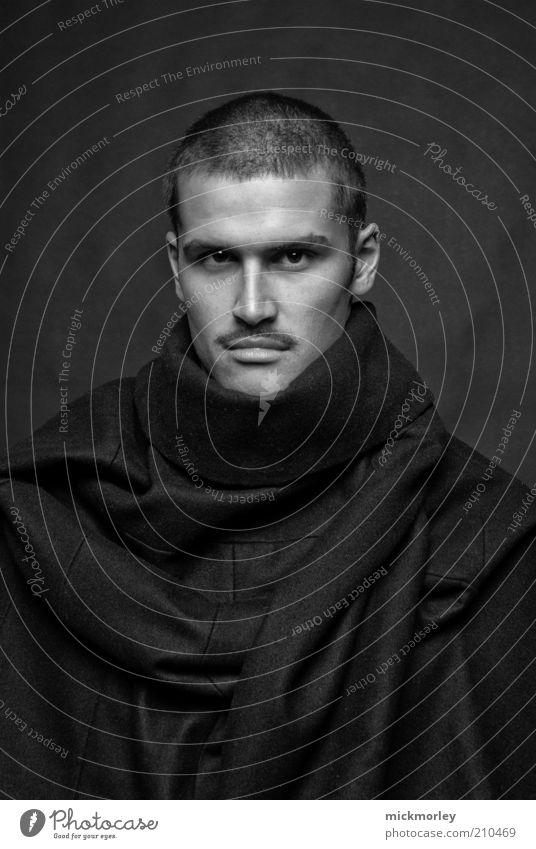 Lord van Scheich Portrait schön Mensch maskulin Kopf 1 Künstler Mode Bekleidung Jacke Mantel ästhetisch außergewöhnlich dunkel einzigartig schwarz selbstbewußt