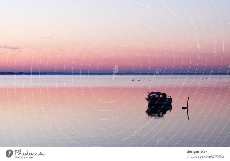 Jenseits von hier Ferien & Urlaub & Reisen Ferne Freiheit Sommer Sommerurlaub Meer Bucht Ostsee Motorboot Hafen Anker liegen träumen warten Unendlichkeit