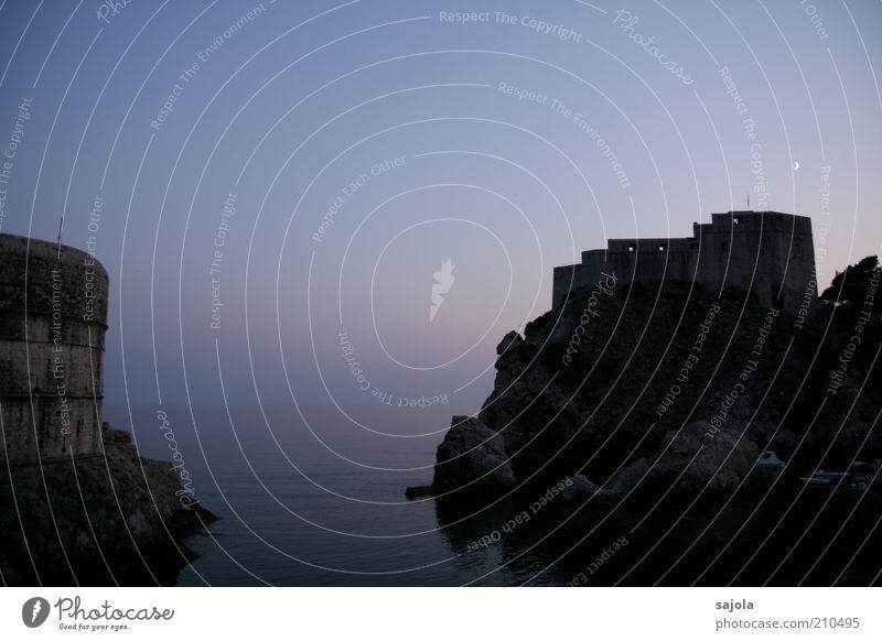 Dämmerung in Dubrovnik Umwelt Landschaft Urelemente Wasser Himmel Mond Sommer Meer Adria Kroatien Dalmatien dalmatinische Küste Europa Südosteuropa Balkan Stadt