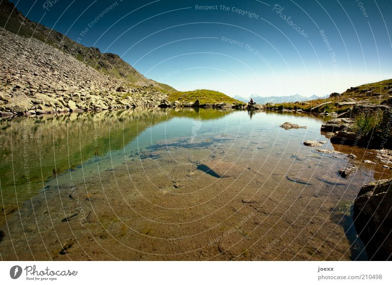 Stilles Wasser grün blau Sommer ruhig Berge u. Gebirge See Landschaft Stimmung braun Alpen Idylle Hügel deutlich Schönes Wetter Teich
