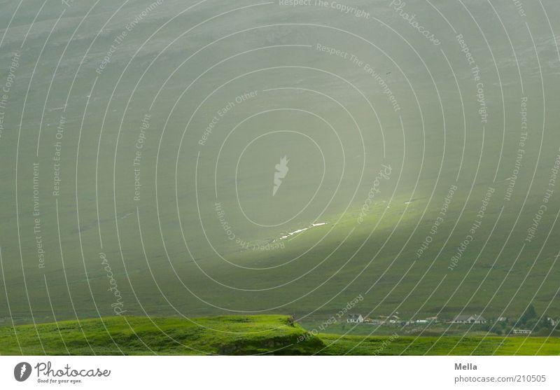 Lichtblick Natur grün Ferien & Urlaub & Reisen Wiese Berge u. Gebirge Landschaft Stimmung Beleuchtung Feld Wetter Umwelt Ausflug Hoffnung Klima natürlich