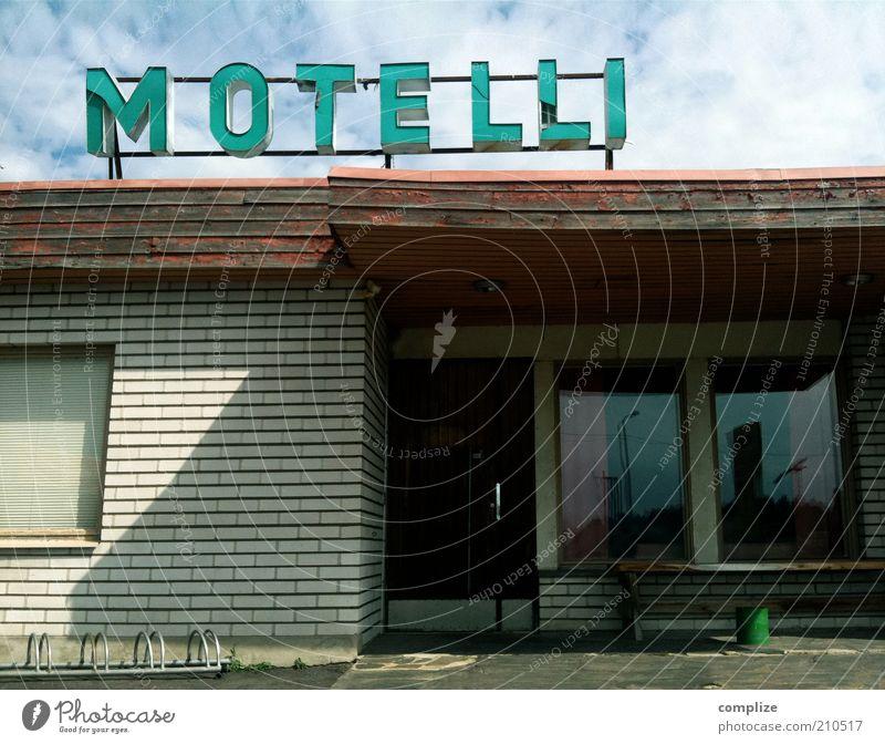 MOTELLI Ferien & Urlaub & Reisen Tourismus Sommer Dienstleistungsgewerbe Stadtrand Gebäude Hotel Schriftzeichen Schilder & Markierungen verfallen leer Motel