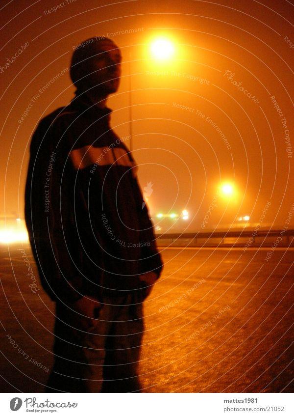 An der Grenze Frankreich Station Nebel Autofahren dunkel Licht bezahlen Rückfahrt Versailles Ferne Ferien & Urlaub & Reisen Verkehr Deutschland Schatten
