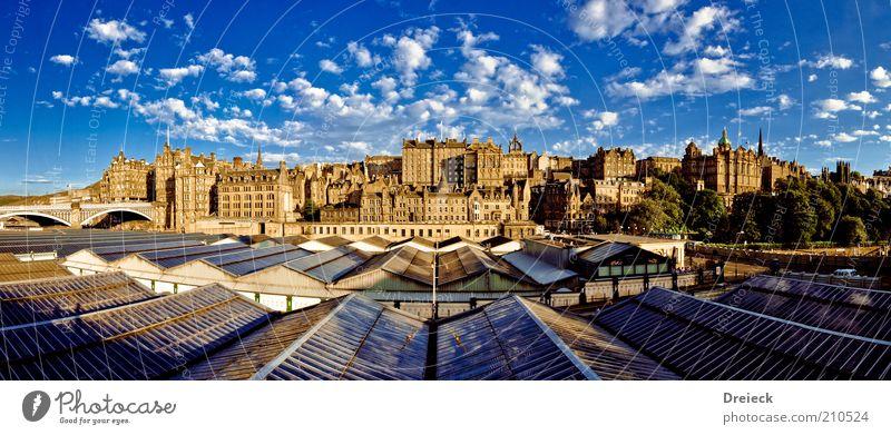 Edinburgh Himmel Ferien & Urlaub & Reisen blau Stadt Sommer Wolken Haus Ferne Architektur Gebäude gold Tourismus Europa Schönes Wetter Burg oder Schloss Bauwerk