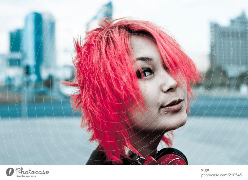 Rotschopf Haare & Frisuren Mensch feminin Junge Frau Jugendliche Kopf Gesicht 1 18-30 Jahre Erwachsene Piercing rothaarig frech Freundlichkeit Fröhlichkeit