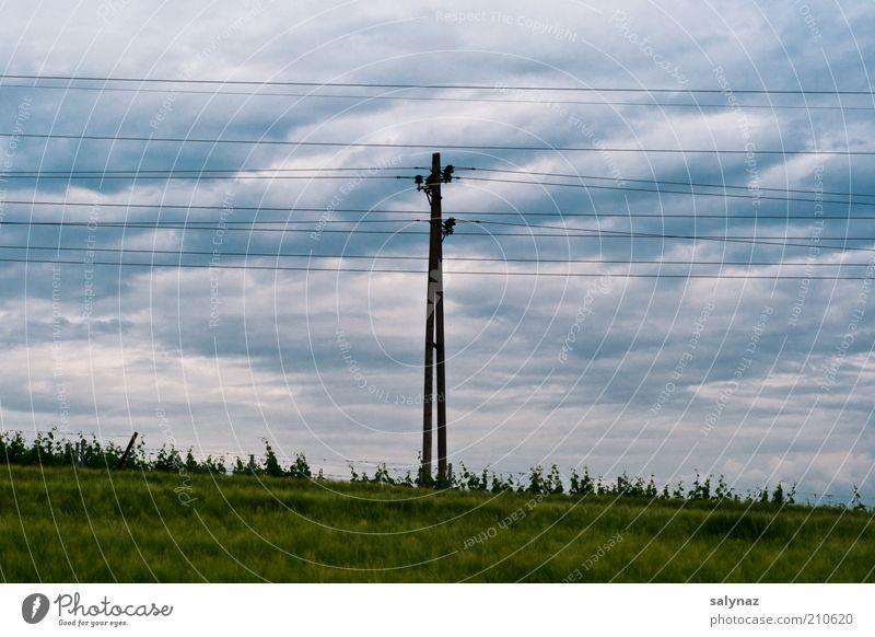 keep it up Himmel Wolken Sommer Wetter Gras blau grau grün Elektrizität Strommast Hochspannungsleitung Stromverbrauch Energiewirtschaft Bildaufbau Wolkendecke