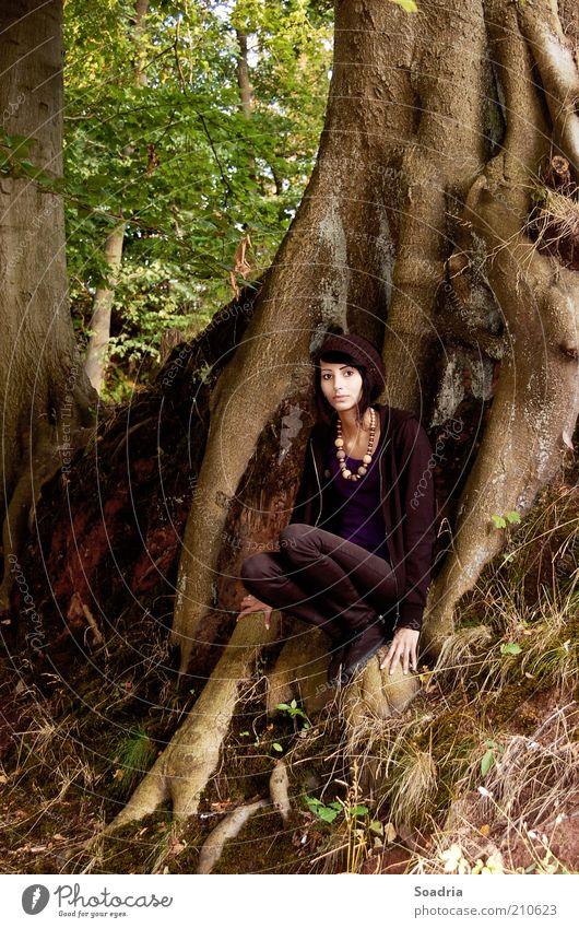 I know a place where we can carry on. Mensch Frau Natur Jugendliche Baum Sommer Einsamkeit ruhig Erwachsene Erholung Wald Umwelt feminin Junge Frau