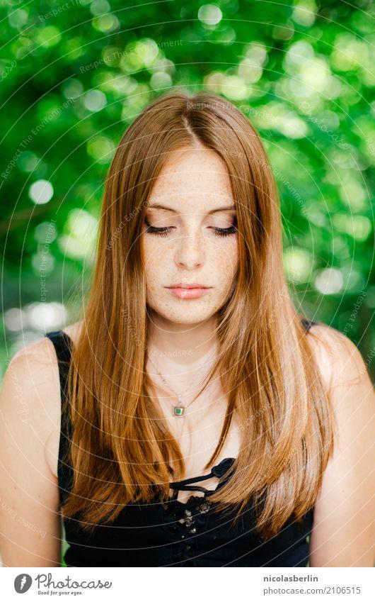 MP122 - Handwritten Mensch Jugendliche Junge Frau schön 18-30 Jahre Erwachsene Traurigkeit natürlich träumen