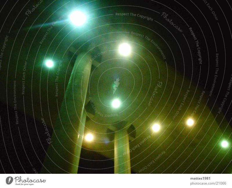 2 Nacht Schwung Dach Lampe hell erleuchten Architektur Licht Säule Stern (Symbol) Himmel Graffiti Beleuchtung Wegweiser