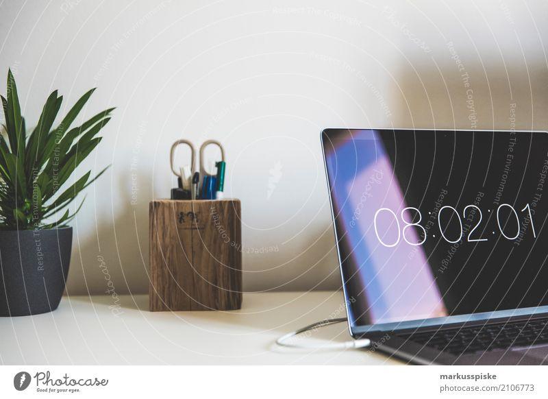 Laptop Büro Schreibtisch Innenarchitektur Stil Zeit Design Arbeit & Erwerbstätigkeit Büro Raum Kreativität lernen Team Bildung Beruf trendy Sitzung Werbebranche Inspiration