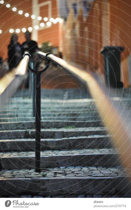 Stairway to Chiado Ferien & Urlaub & Reisen Tourismus Städtereise ausgehen Lichterkette Mensch maskulin Paar 2 Lissabon Portugal Stadt Hauptstadt Altstadt