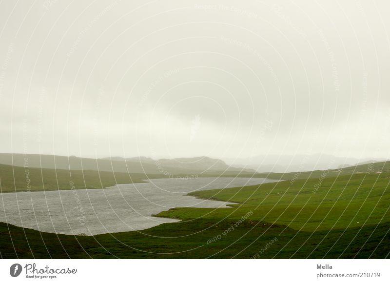 Weitblick Ferien & Urlaub & Reisen Ferne Umwelt Natur Landschaft Wasser Wolken Klima Wetter schlechtes Wetter Wiese Hügel See frei Unendlichkeit natürlich grau
