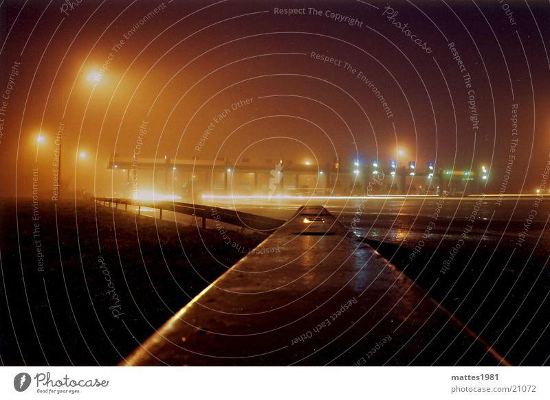 Eine Nacht an der Grenze Bewegung warten Deutschland Nebel Europa Pause Grenze Frankreich Belichtung Autobahnraststätte
