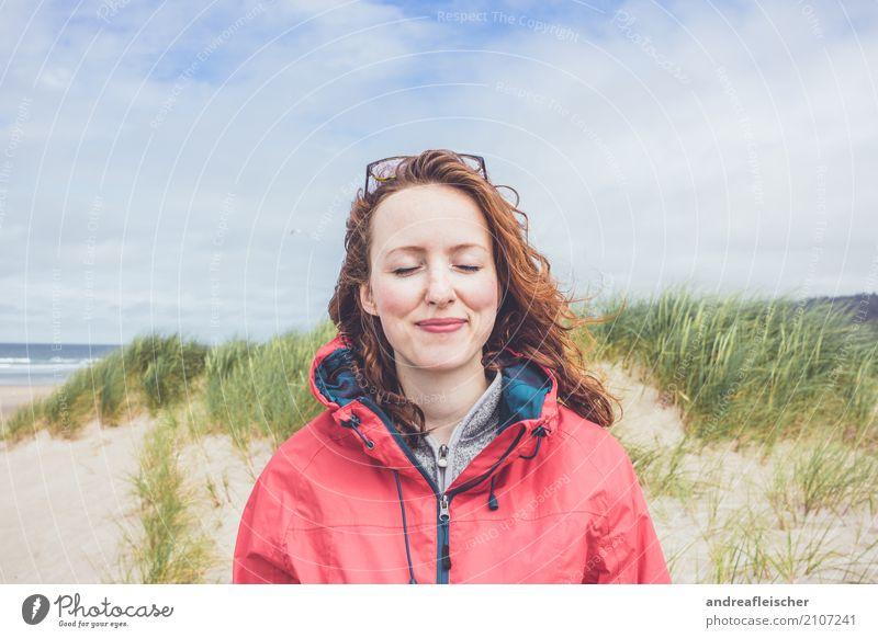 Road Trip // West Coast USA, Oregon feminin 1 Mensch 18-30 Jahre Jugendliche Erwachsene Natur Landschaft Sand Himmel Wolken Sommer Küste Strand Meer Pullover