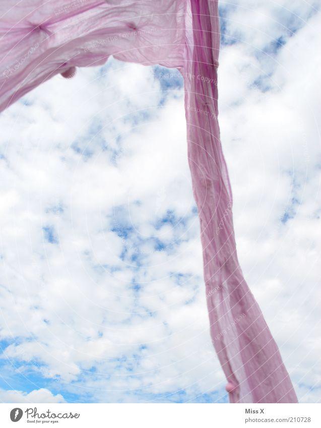 Leicht Himmel Wolken Freiheit Stimmung Wind Bekleidung violett Sturm Stoff leicht Leichtigkeit wehen Schal Kopftuch loslassen Farbe