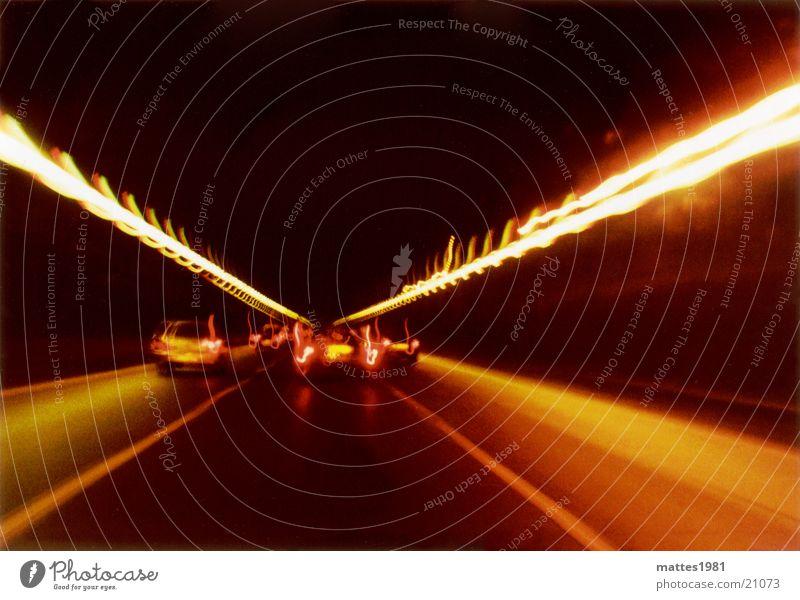 Tunnelbild Nr. 1 000 000 Geschwindigkeit fahren unterwegs Nacht dunkel rot gelb Rücklicht Beschleunigung Ferien & Urlaub & Reisen Hochgeschwindigkeit Verkehr