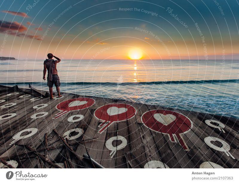 Sonnenuntergang voller Liebe Mensch Himmel Ferien & Urlaub & Reisen Jugendliche alt blau Sommer Junger Mann Landschaft Meer Strand 18-30 Jahre Erwachsene