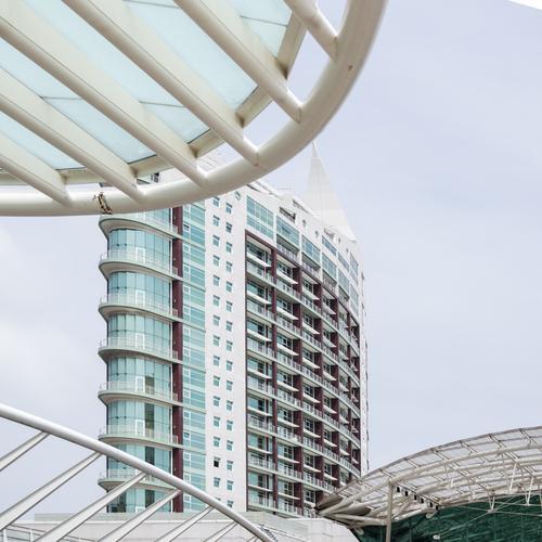 Lissabon Stadt Haus Architektur Gebäude Fassade Häusliches Leben Linie modern Hochhaus Bauwerk Stadtzentrum Kurve
