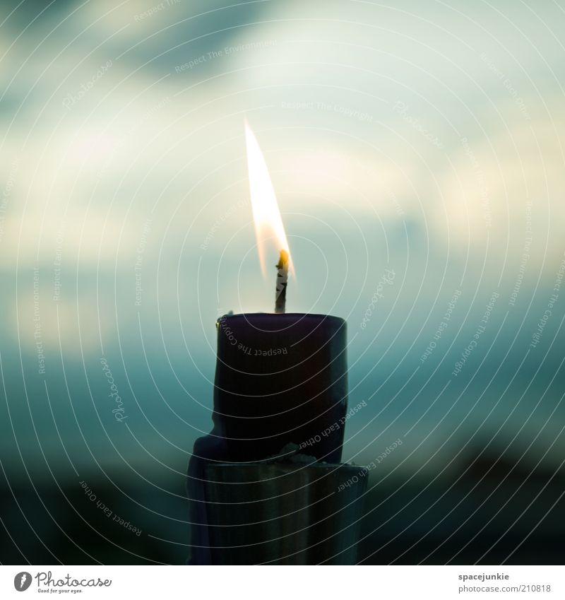 lonely night Himmel Wolken Einsamkeit dunkel Feuer Trauer Kerze Schmerz brennen Flamme Docht