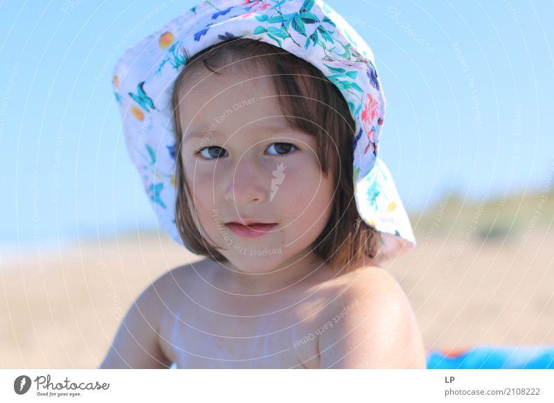 Ich schaue in deine Augen Mensch Kind Ferien & Urlaub & Reisen schön Mädchen Strand Leben Lifestyle Gefühle Familie & Verwandtschaft Stimmung Zufriedenheit