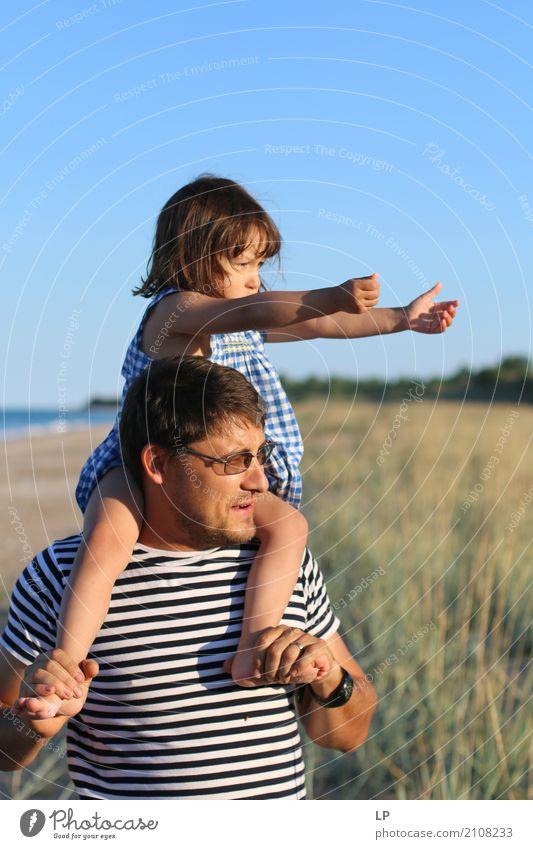 Kleines Mädchen und Vater Mensch Kind Ferien & Urlaub & Reisen Erwachsene Leben Lifestyle Liebe Gefühle Familie & Verwandtschaft Zusammensein Freizeit & Hobby