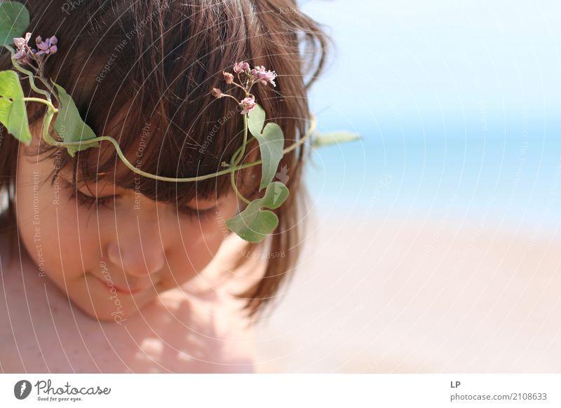 Blumenkranz Mensch Kind Pflanze Leben Lifestyle Gefühle feminin Stil Familie & Verwandtschaft Spielen Freizeit & Hobby Zufriedenheit Kindheit Baby Lebensfreude