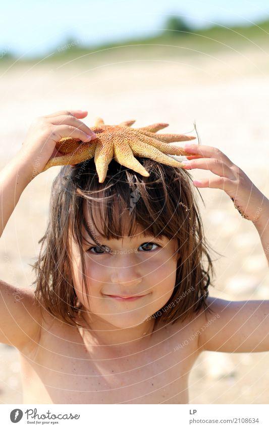 Seestern auf meinem Kopf Mensch Kind Ferien & Urlaub & Reisen Meer Erholung ruhig Freude Strand Leben Lifestyle Gefühle Familie & Verwandtschaft Schule Stimmung