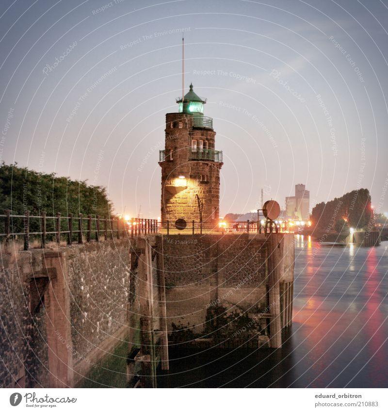 Wärter alt Beleuchtung Tourismus Turm Hafen historisch Anlegestelle Schifffahrt Leuchtturm Sightseeing Sehenswürdigkeit Mole Städtereise Ausflugsziel markant