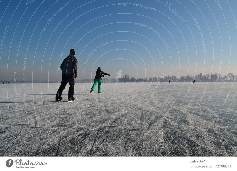 On Ice Ferien & Urlaub & Reisen Ausflug Abenteuer Winter Sport Schlittschuhlaufen Schlittschuhe Mensch maskulin feminin Frau Erwachsene Mann Freundschaft Paar 2