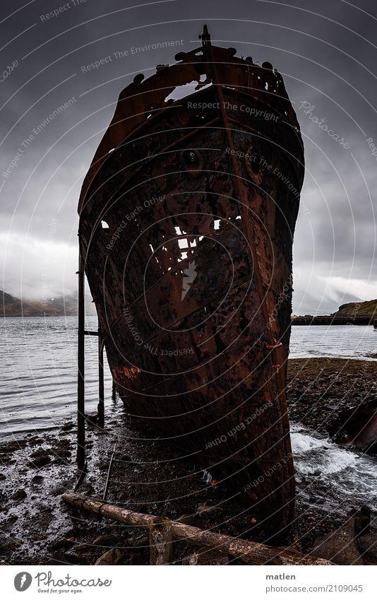 Anlehnungsbeduerftig Landschaft Himmel Wolken Frühling schlechtes Wetter Berge u. Gebirge Küste Strand Fjord Schifffahrt Dampfschiff alt dunkel