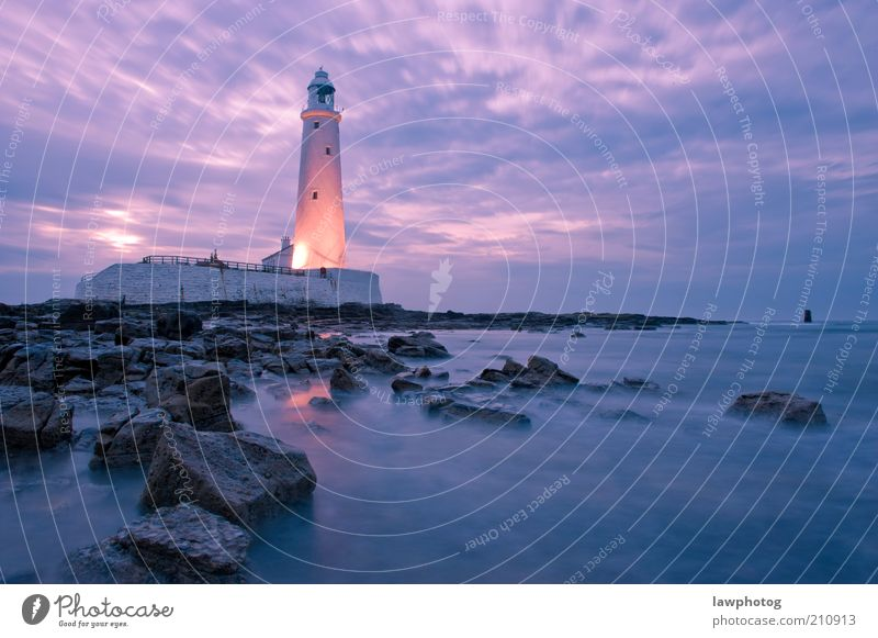 Rocky Shore St. Mary's Leuchtturm Natur Landschaft Erde Sand Wasser Himmel Wolken Nachthimmel Horizont Sonne Sonnenaufgang Sonnenuntergang Sonnenlicht Felsen